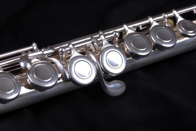Flute showing offset G key